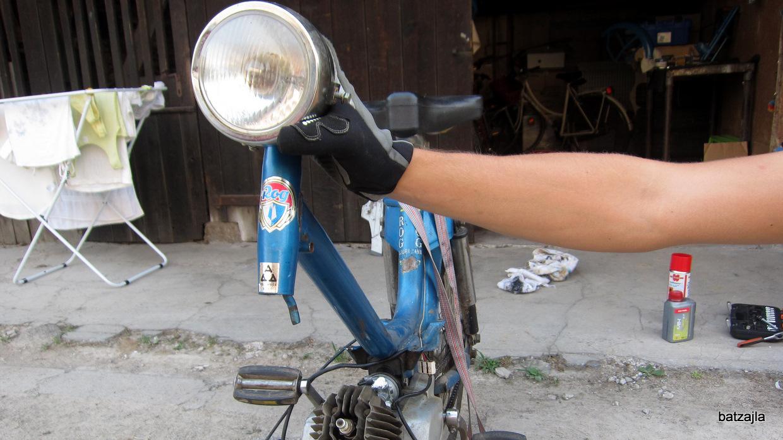 Moped v pripravi.