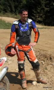 Gregor se šteje med amaterske enduraše, a se rad udeleži tudi enduro dirke.