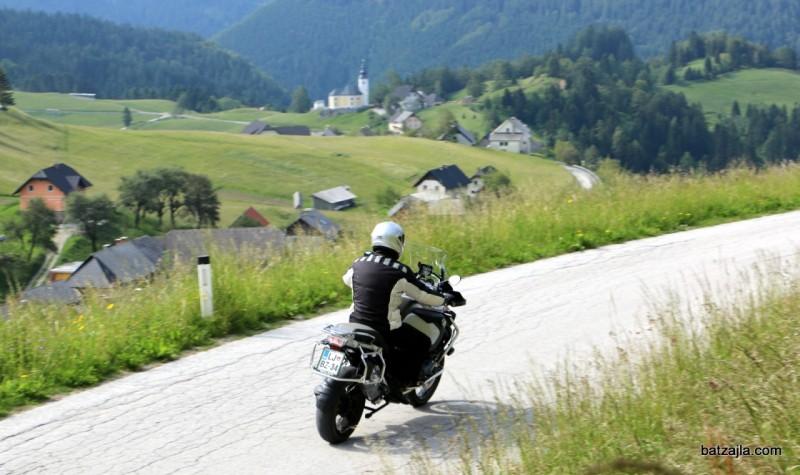 R 1200 GS Adventure: zunanje mere prikrivajo dejansko lahkotnost upravljanja.