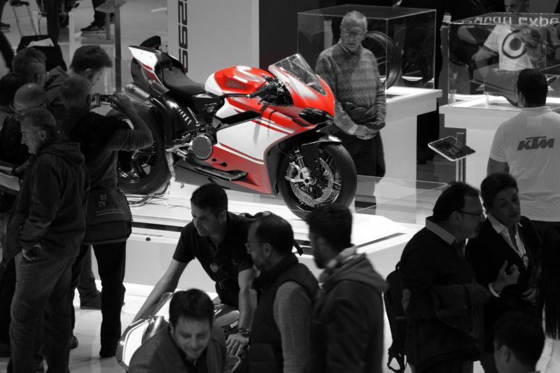 Čudovit kos tehnike. Ducati 1299 Superleggera suh tehta 156 kilogramov, zmore 215 konjskih moči, v Sloveniji pa bo stal nič manj kot 82.690 evrov. Izdelali jih bodo le 500!