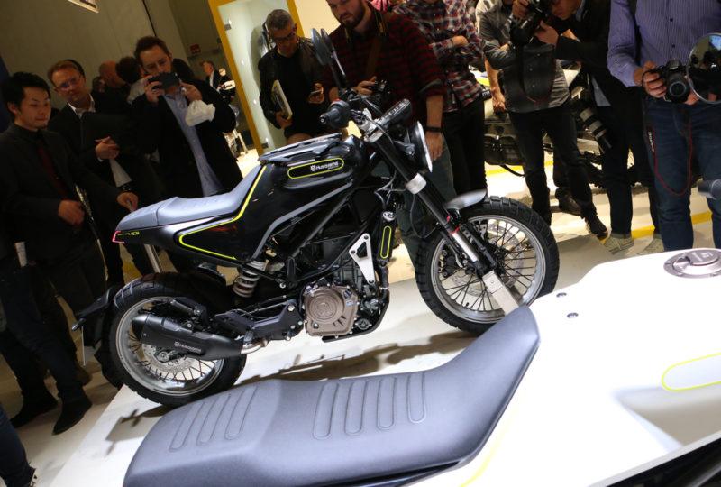 Eden izmed lepših in zanimvejših motorjev na salonu. Svartpilen in Vitpilen 401 sta oba presenetljivo podobna lani predstavljenima konceptoma. Husqvarna ju bo začela proizvajati čez eno leto.